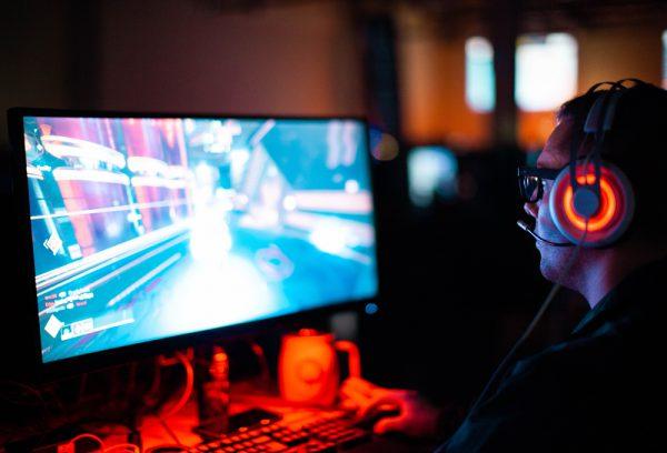 eSports世界チャンピオンを下したOpenAI FiveはゲームAIに何をもたらすか?